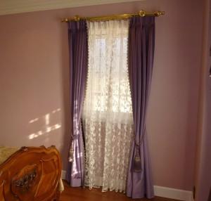 フィスバ 寝室 ベルベットカーテン