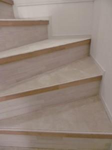 戸建住宅 階段 カーペット