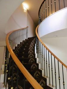 カーブ階段 カーペット