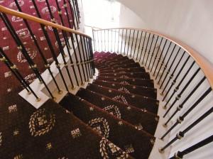 曲線階段 カーペット
