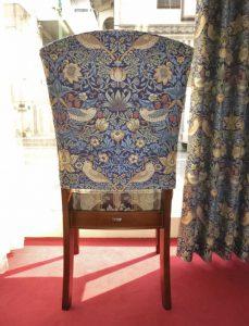 イチゴドロボウ 椅子カバー ウィリアム・モリス