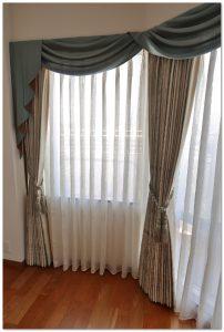 コーナー窓 装飾バランス