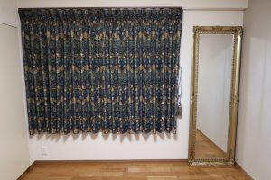 川島織物セルコン いちご泥棒 カーテン 寝室