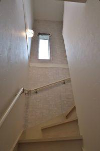 階段 窓 遮熱対策