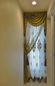 縦長窓 スタイルカーテン