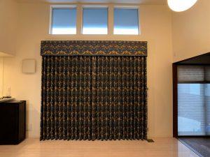 いちご泥棒 カーテン 川島織物セルコン リビング 事例